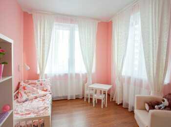 Пример отделки и меблировки детской комнаты
